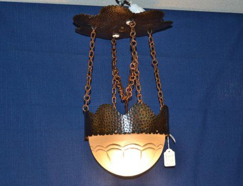 Lampa Jugend med stomme av hamrad koppar