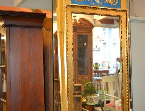 Spegel förgylld Gustaviansk stil