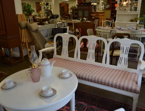 Salongsgrupp allmoge bord , soffa, 2 stolar