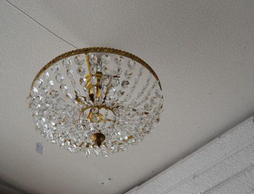 Takplafond med kristallprismor