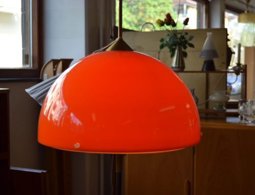 Lampa orange plast 50-60 tal