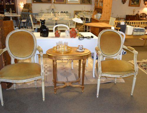 Förgyllt bord gustaviansk stil