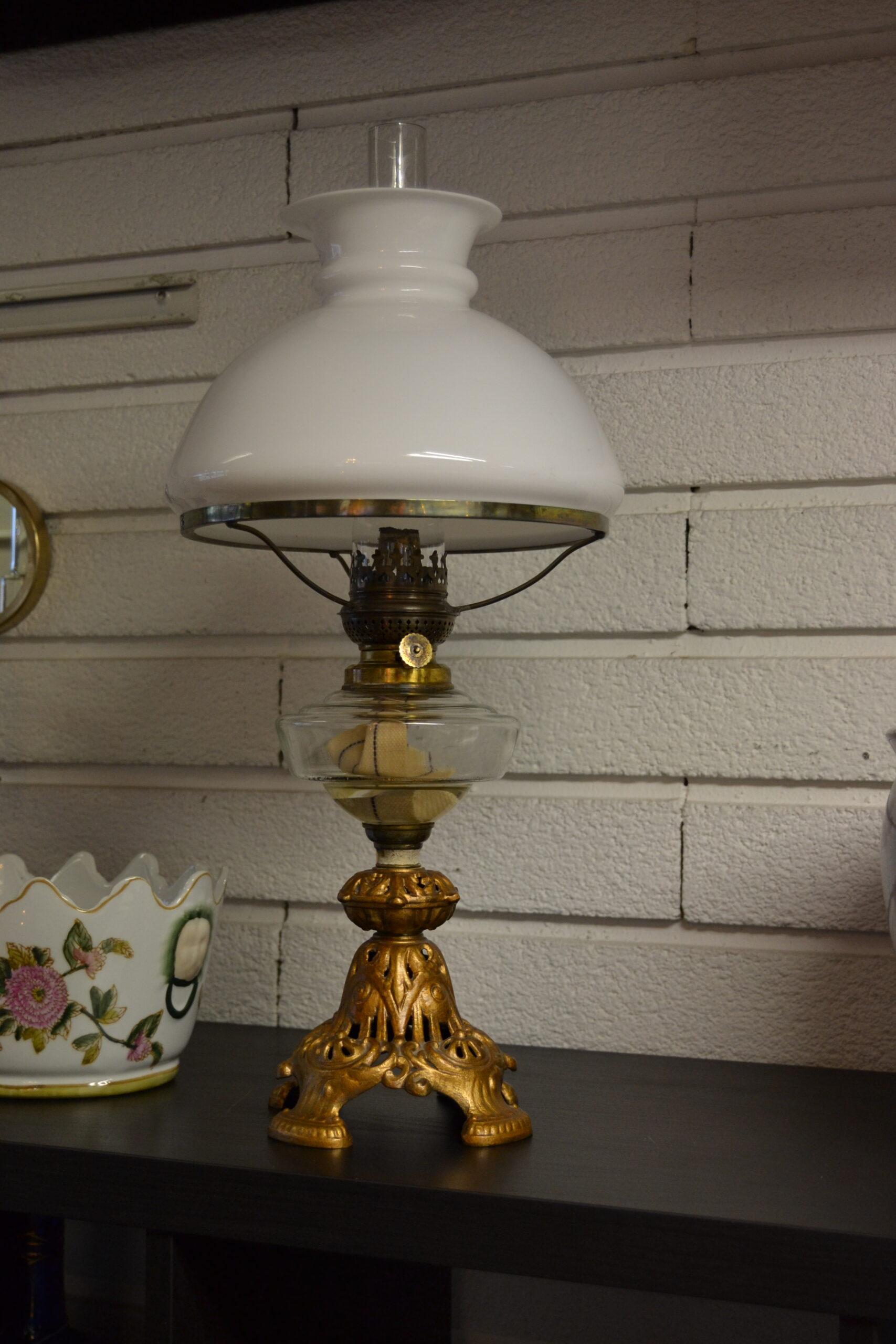 Fotogenlampa Lampfot metall oljehus i glas
