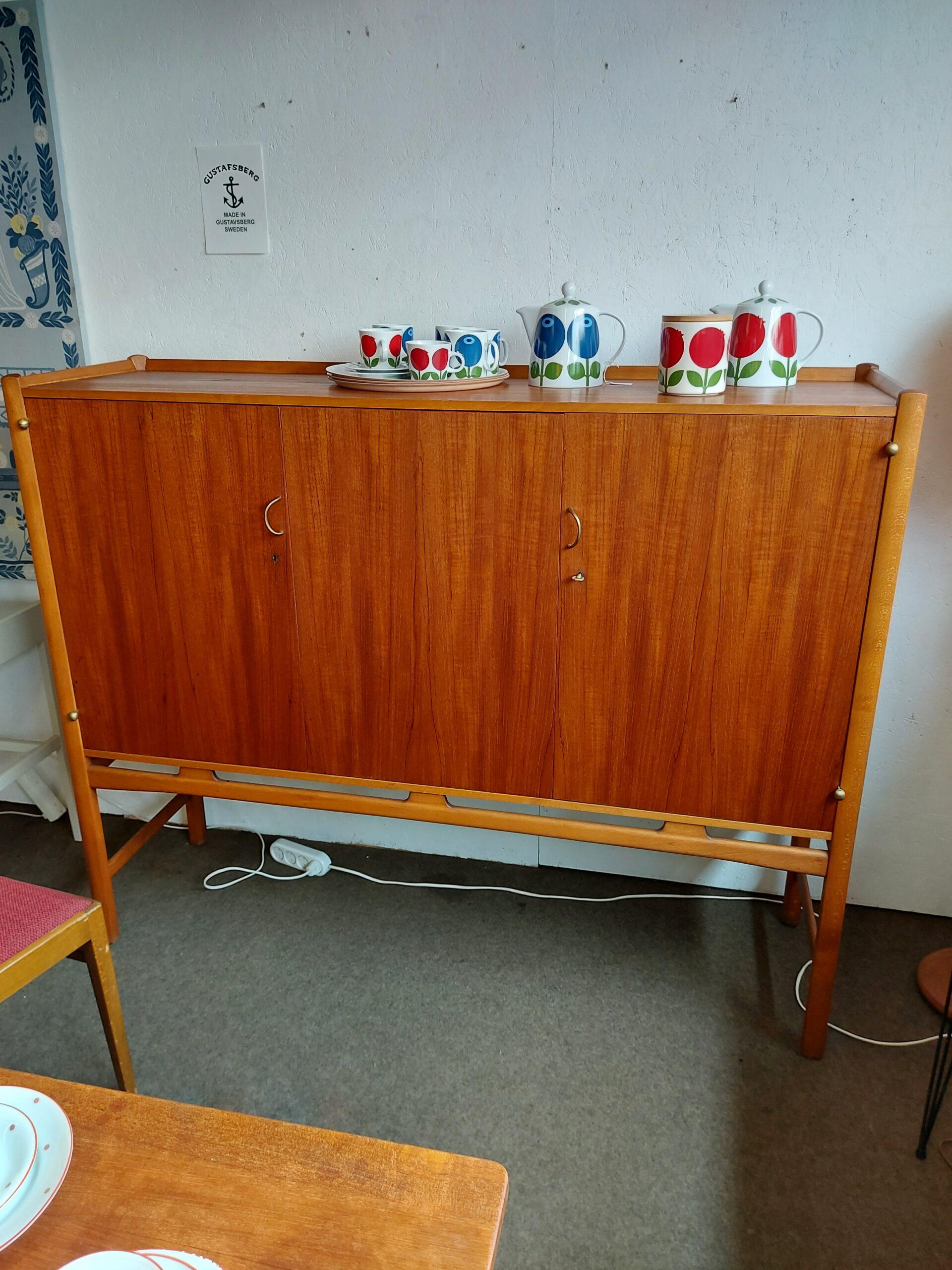 Skåp teak Napoli Westbergs möbler