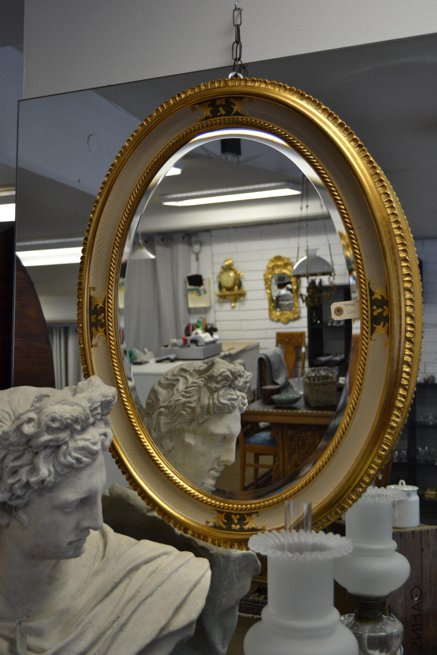 Spegel oval fazettslipat glas